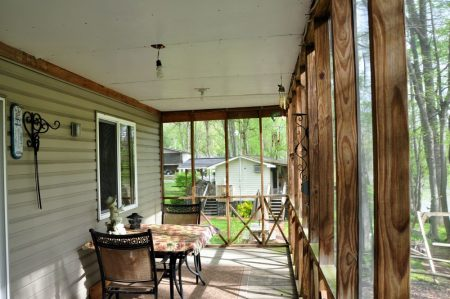 Kitty's Cabin on the Greenbrier 011