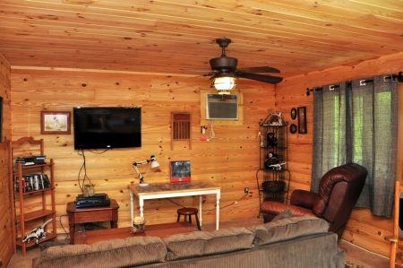 Kitty's Cabin on the Greenbrier 025